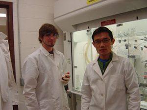 Undergrad Andrew in the Lab2